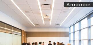 Et møde i en virksomhed